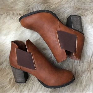 Dollhouse Ankle Boots Brown Size 9 - Like New